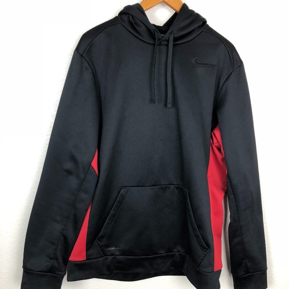 bb24814aad26 Nike Men s Therma-Fit red black hoodie Size Large.  M 5b7e0bd0194dadead084e8b9